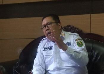 Kepala Badan Kesatuan Bangsa dan Politik (Kesbangpol) Kabupaten Bandung, Iman Irianto Sudjana