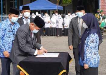 Bupati Garut, Rudy Gunawan melantik 41 pejabat administrasi (Foto: Istimewa)