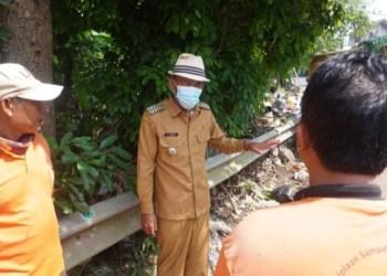 Bupati Subang, H. Ruhimat melakukan sidak ke tempat pebuangan sampah liar, Senin (31/5/2021). i/dara.co.id)(Foto: yud