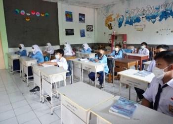 Pelaksanaan Pembelajaran Tatap Muka di SMPN 2 Garut,,Jalan Ahmad Yani, Kecamatn Garut Kota, Kabupaten Garut, Selasa (25/5/2021). (Foto : andre/dara.co.id)
