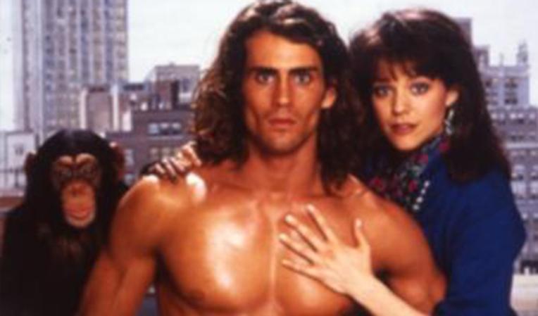 Joe Lara, aktor serial Tarzan: The Epic Adventures bersama sang istri, Gwen Shamblin Lara, tewas dalam kecelakaan pesawat, bersama lima penumpang lain. (Foto : Kincir.com)