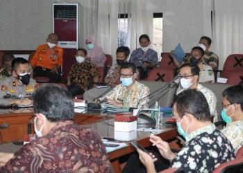 Rapat koordinasi Pemkab Subang dan Satgas Covid (Foto: Istimewa)