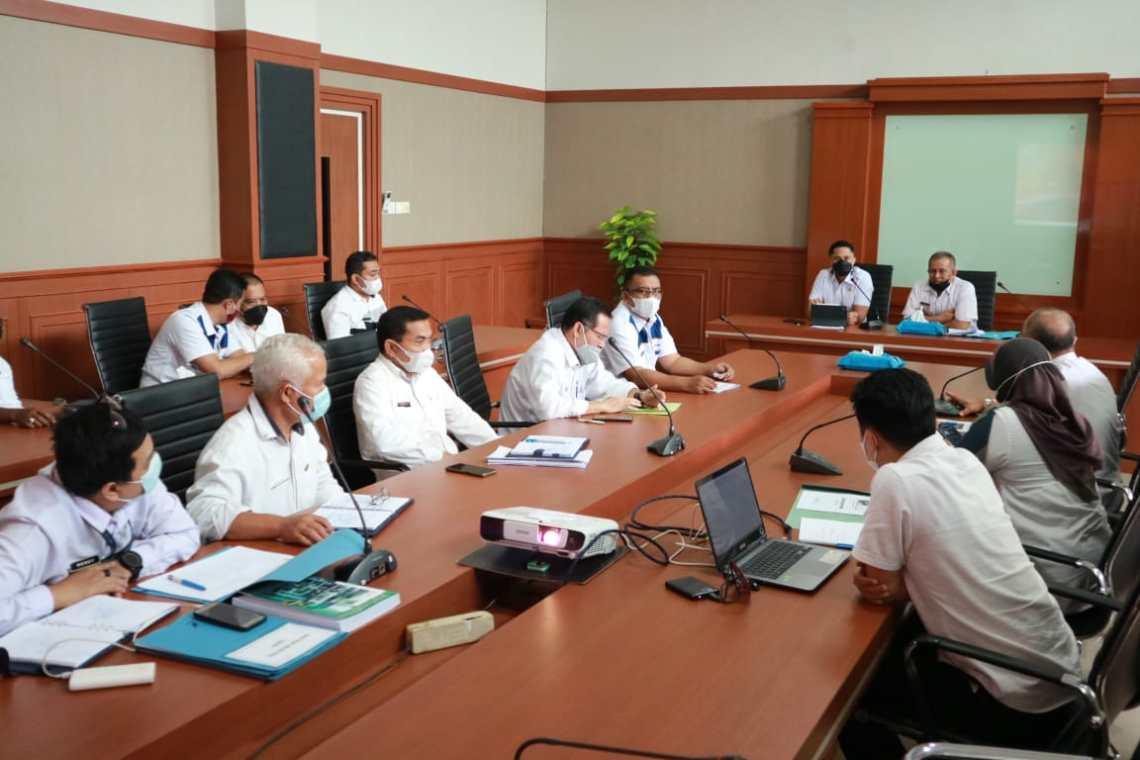 Plt Bupati Bandung Barat Hengki Kurniawan, bersama Bapelitbangda saat membahas RKPD Tahun 2022. (Foto: istimewa)