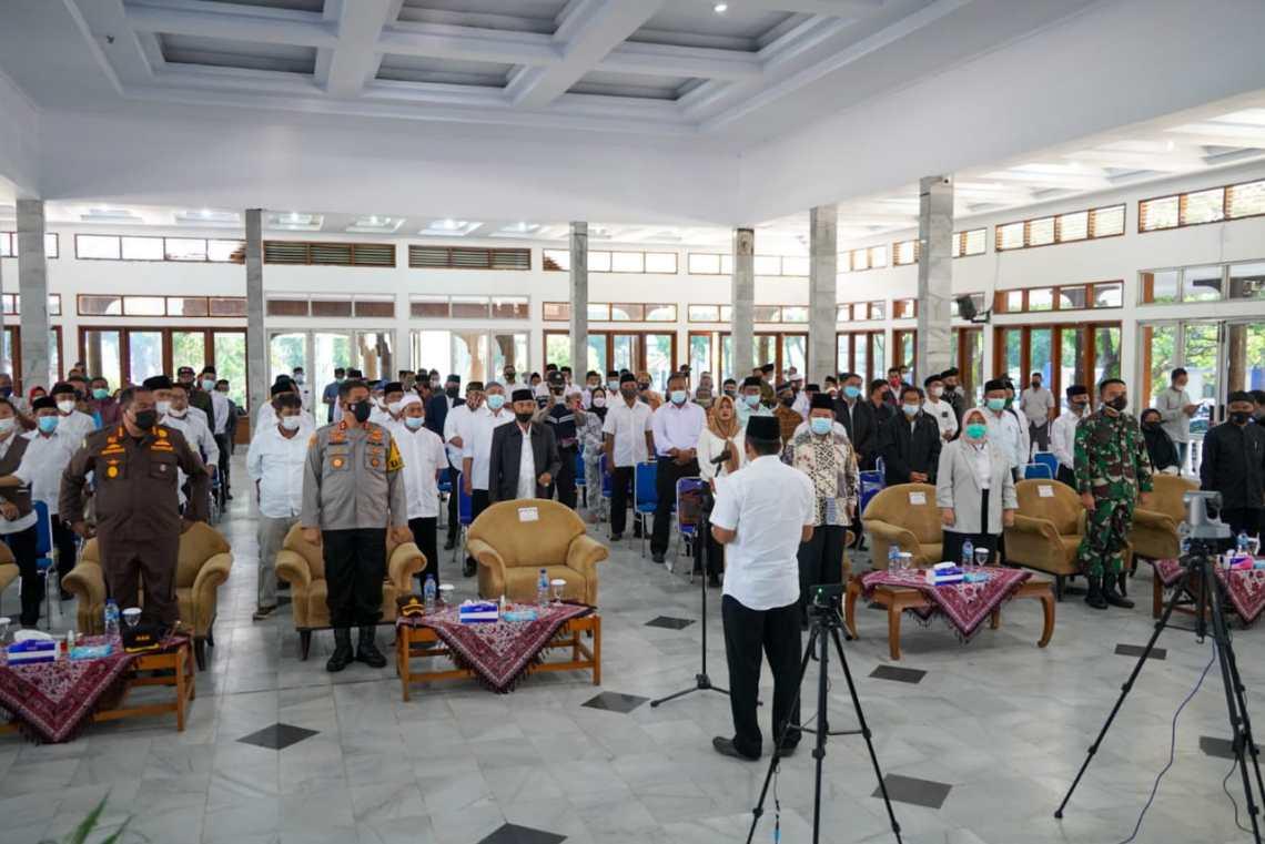 Pelaksanaan Deklarasi Pilkades Damai dan Doa Bersama pelaksanaan Pilkades serentak Tahun 2021 di Gedung Pendopo Garut, (Foto: Andre/dara.co.id)