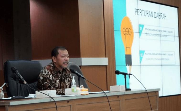 Pansus IV DPRD Provinsi Jawa Barat lakukan kunjungan kerja Ke Kantor Dinas Perpustakaan dan Arsip Kota Bekasi dalam rangka mendapat masukan dan informasi terkait pembahasan Raperda tentang Penyelenggaraan Kearsipan dan Perpustakaan Provinsi Jawa Barat, Jumat (11/06/2021). (Foto: Humas DPRDJabar/Moch Ichsan)