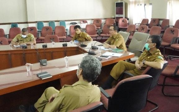 Evluasi PPKM Darurat, Sekda Subang Asep Nuroni gelar brifing secara virtual (Foto: Yudi/dara.co.id)