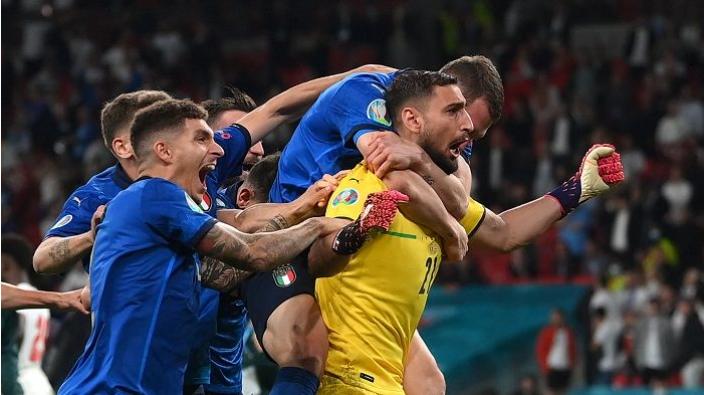 Italia juara Euro 2020 (Foto: REUTERS/Laurence Griffiths/Pool via REUTERS/galamedianews.com)