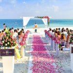 7 Fantastic Ways to Use Silk Petals at Your Wedding