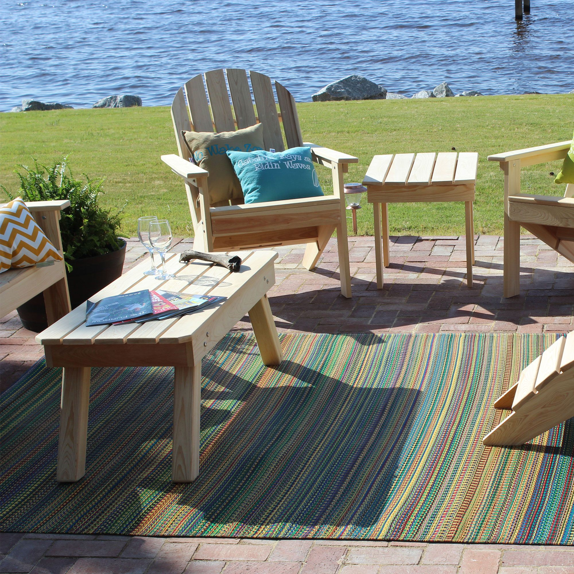 Give an exotic look to your veranda with outdoor rugs for