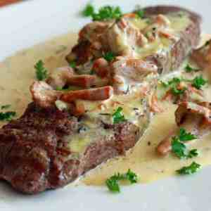steak creamy chanterelle mushroom sauce recipe wine cream