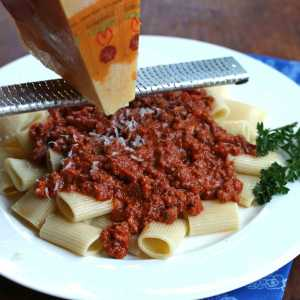 classic traditional authentic Italian bolognese recipe beef veal pork pancetta bacon wine