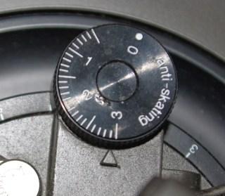Rotella antiskating per regolare la forza centrifuga della testina