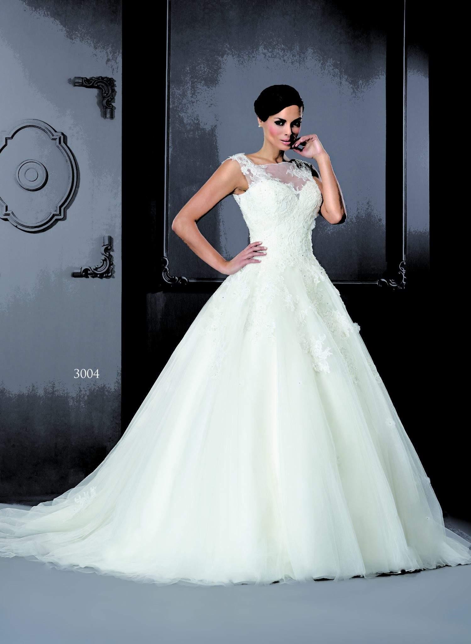 e1561311e93c Modest Lace Wedding Dress - PostParc