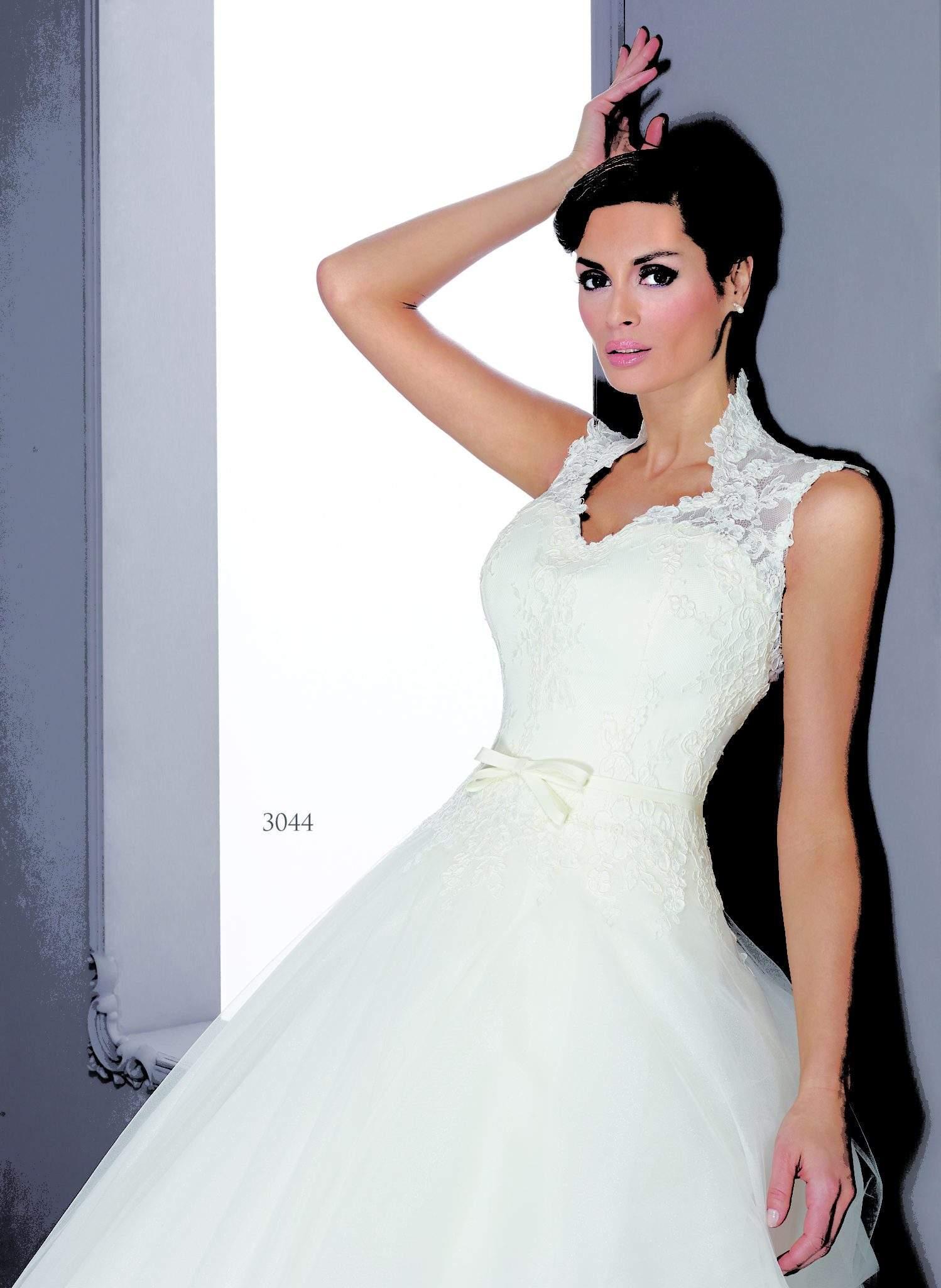 Silk Queen Anne Collar Bridal Gowns