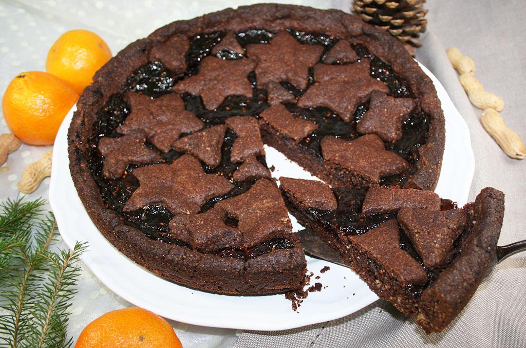 Foto von Linzertorte Familienrezept. Torte angeschnitten. Darjas Welt