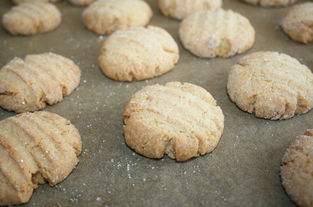 Die fertigen Butterteig Kekse. Fotografie von Darjas Welt