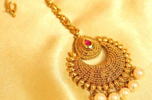 gold mang tikka
