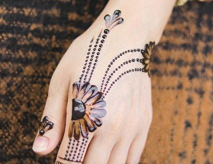 heart mehandi design