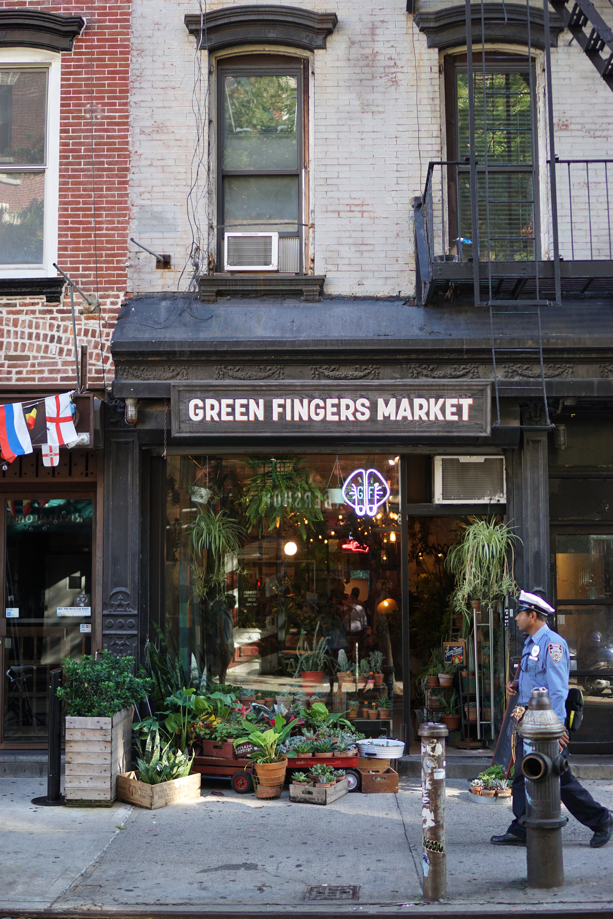 Green Fingers on Rivingston St, New York / Darker than Green