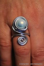 Bague 1 perle et spirale prix : 6€