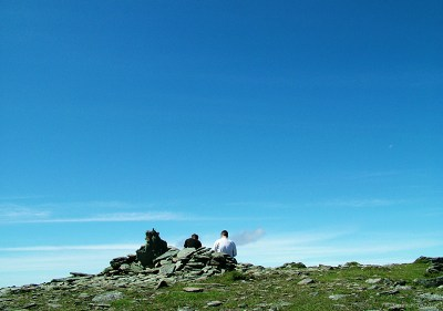 Sie and Tim taking a rest on the Carneddu range - Wales