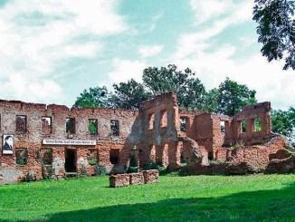 Die Ruine von Schloss Lubowitz; Foto: Klaudiusz Tobiasz , CC BY-SA 3.0