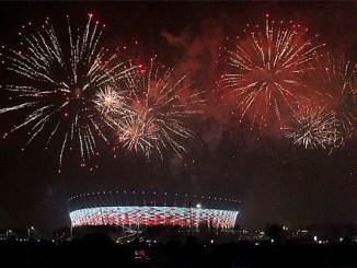 Silvesterfeuerwerk über dem Warschauer Nationalstadion, Foto: Wistula, CC BY-SA 3.0
