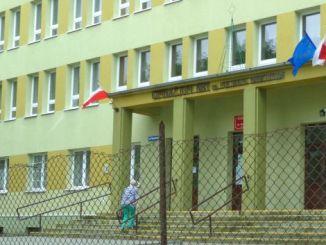 Wahllokal in Polen, 3 Referenden standen zur Abstimmung