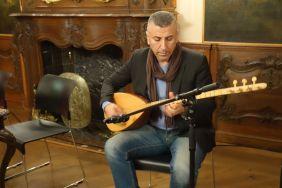 Razgar Karim an der Saz