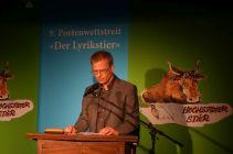 Holger Küls (Jurypreis Der Lyrikstier 2017) bei der Preisträgerlesung. Foto: DAS GEDICHT