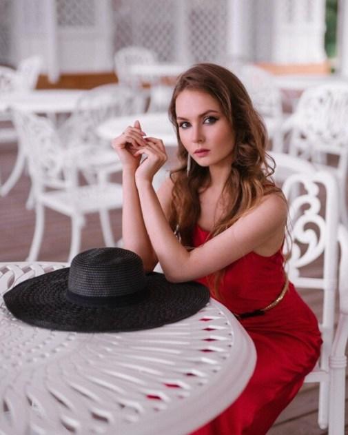 Katerina rencontre a paris femme