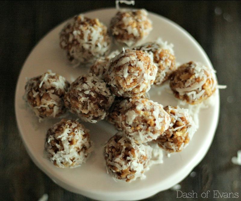 5 Ingredients and NO bake: Cookie Butter Balls via @DashOfEvans