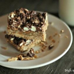 Turtle Shortbread Cookie Bars #FBCookieS...