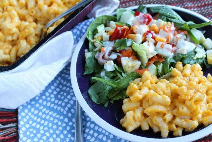 Take a little help from the store with Stouffer's Mac n Cheese! This balanced meal with a MYO Salad Bar is perfect for busy nights! via @DashOfEvans