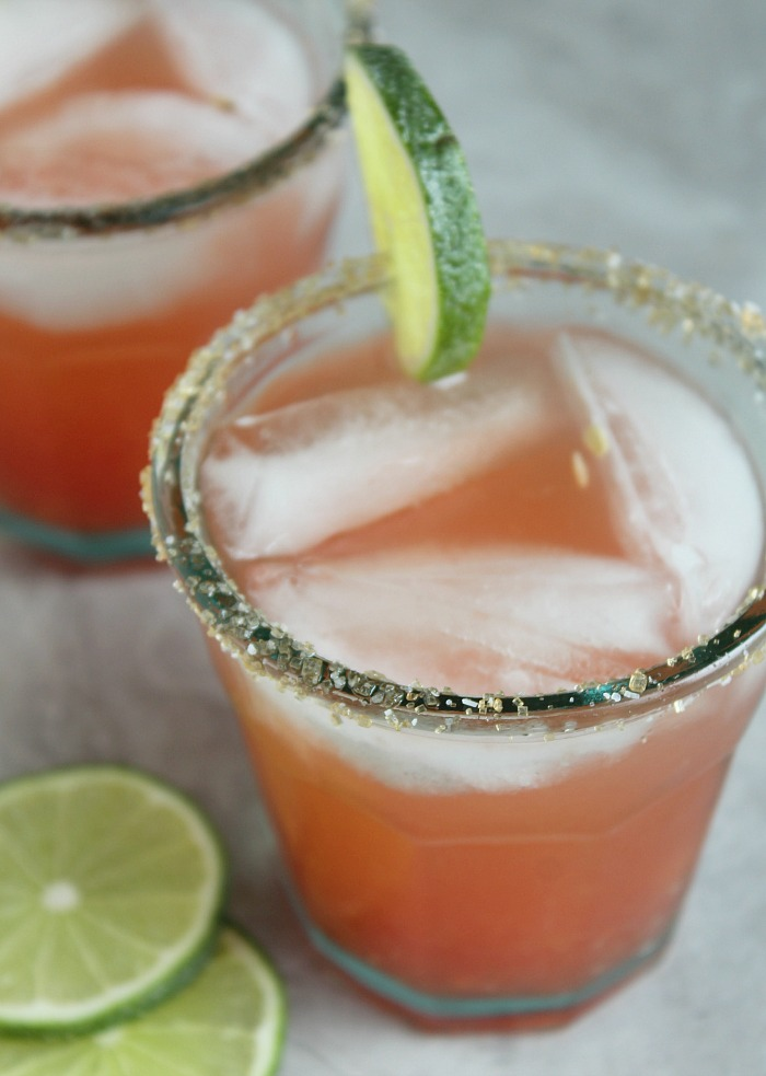 For all of those Mamas-to-Be: Watermelon Mock-a-rita! Fresh watermelon juice, citrus and sparkling water make this mocktail SO refreshing. You almost don't miss the tequila....almost. via @DashOfEvans