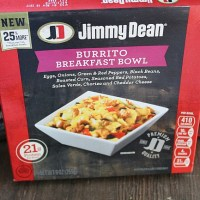 Busy mornings? Try Jimmy Dean frozen breakfast bowls! Full of protein and bold flavors--there's one for everyone to enjoy! via @DashOfEvans
