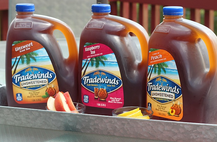 Tradewinds gallon-sized tea is perfect for gatherings! Find some in your local grocery store! via @DashOfEvans #Momentstosavor (ad)