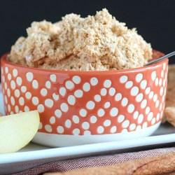 Easy pumpkin fluff dip for apples