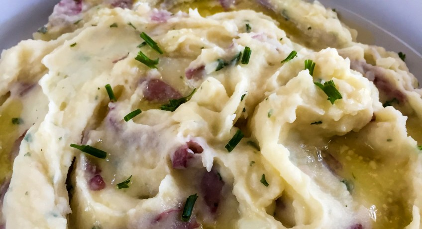 Garlic Mashed Potatoes | Dash of Jazz