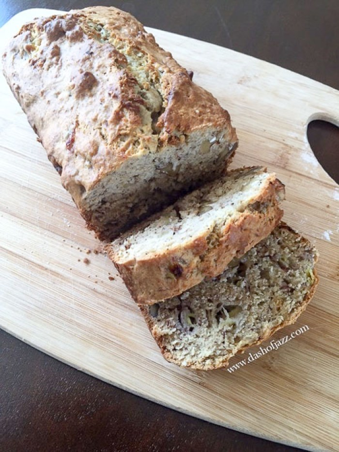 slices of spiced banana nut bread