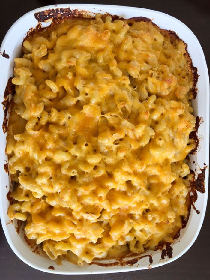 pan of baked mac and cheese