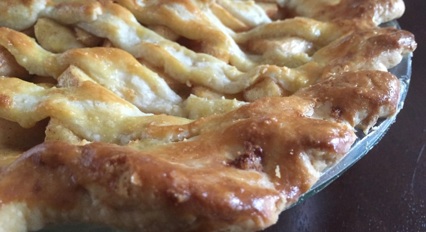 Apple Pie with Brie | dashofjazz.com