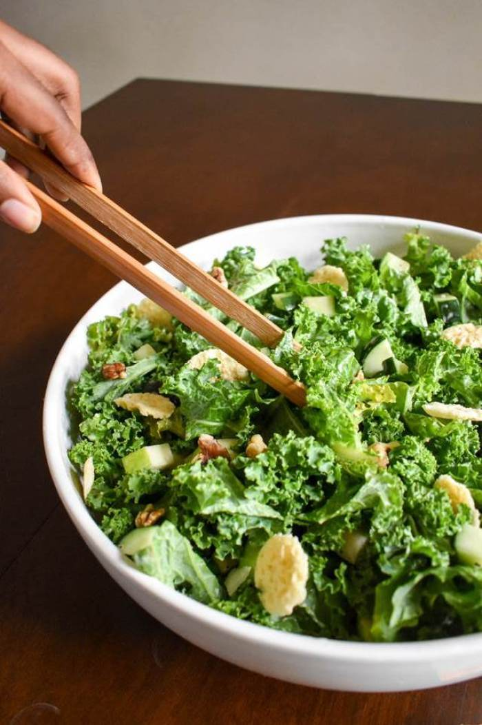 serving crunchy kale salad
