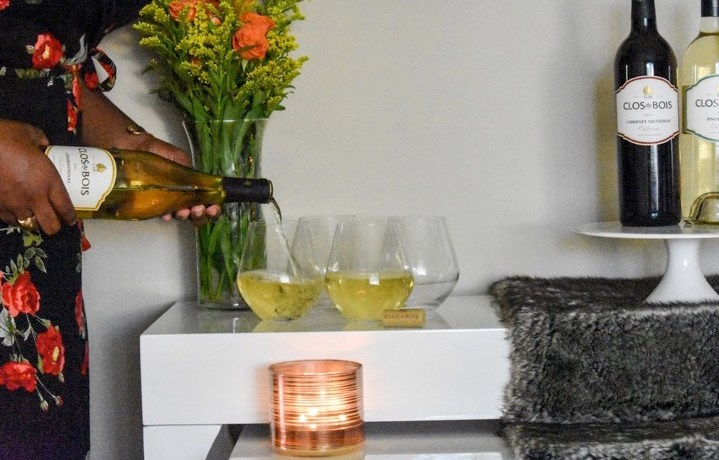 How to easily create an at-home wine bar perfect for simple entertaining with Clos du Bois wines. By Dash of Jazz #sponsored #sipsofsummer