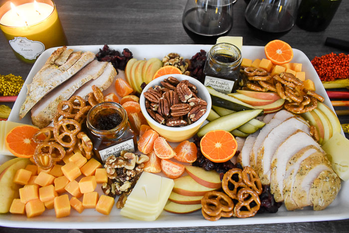 festive thanksgiving grazing tray