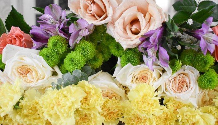 Make a DIY Spring Flower Bar