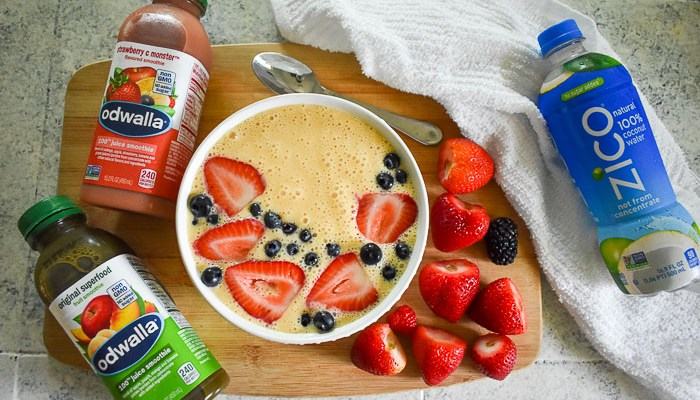 How to Make a Smoothie Bowl in Three Steps