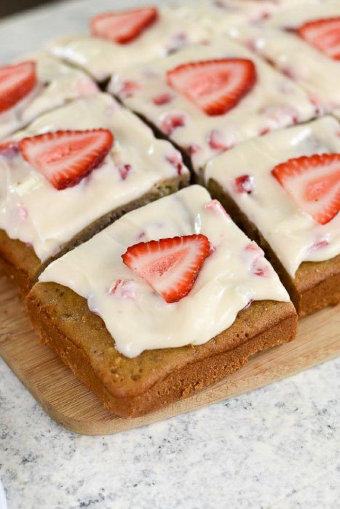 sliced strawberry cream cheese sheet cake