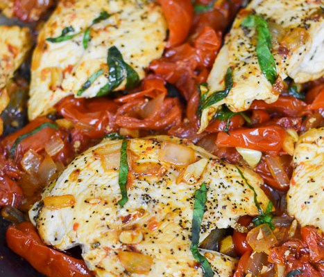Easy Weeknight Tomato Basil Chicken (30-Minute Dinner!)