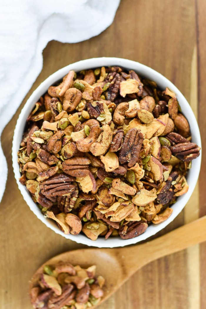 grain-free apple cinnamon granola